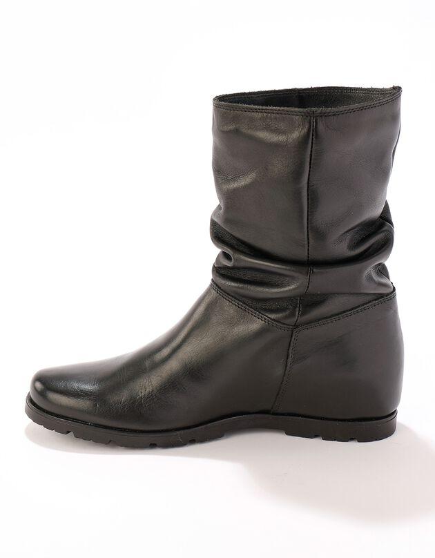 Halfhoge laarzen met plissé, in leer met onzichtbare doorloopzool - zwart, zwart, hi-res