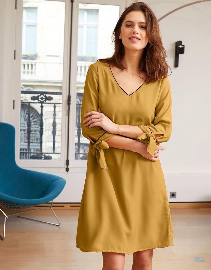 Uitlopende jurk met contrasterende biesjes, saffraangeel, hi-res image number 0