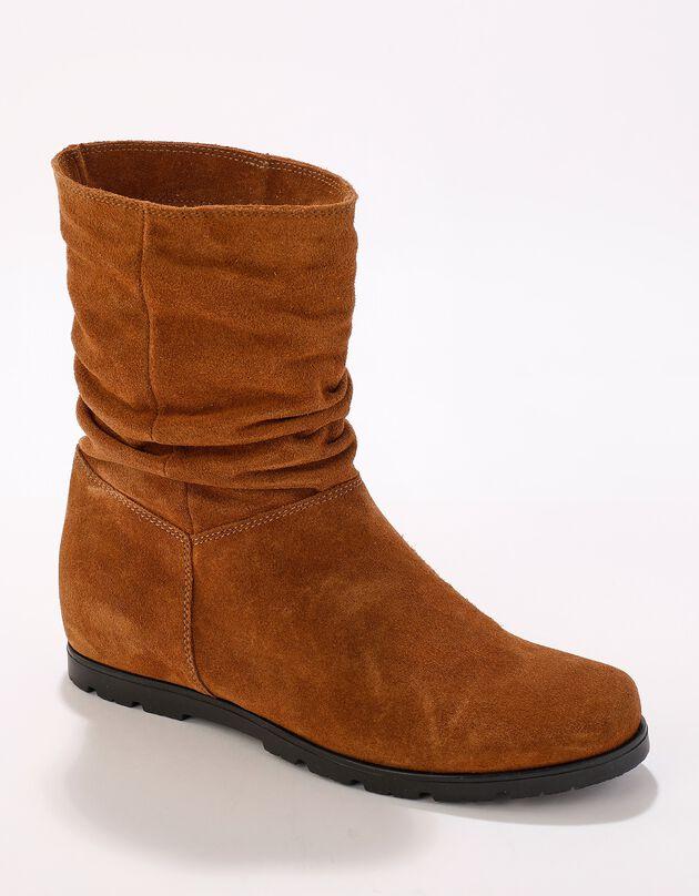 Halfhoge laarzen met plissé, in daim met onzichtbare doorloopzool - bruin, karamel, hi-res